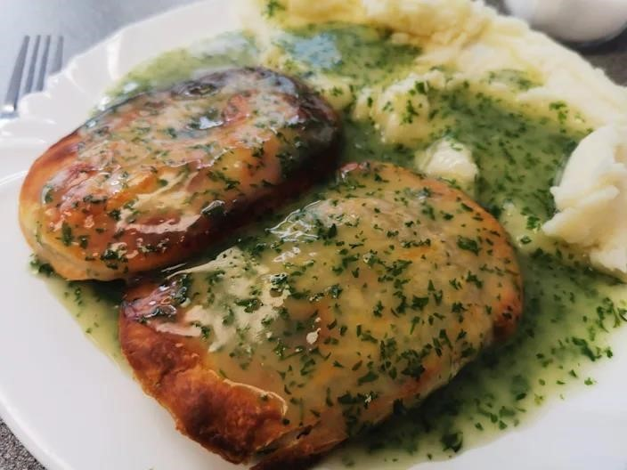 sauce made with parsley and vinegar